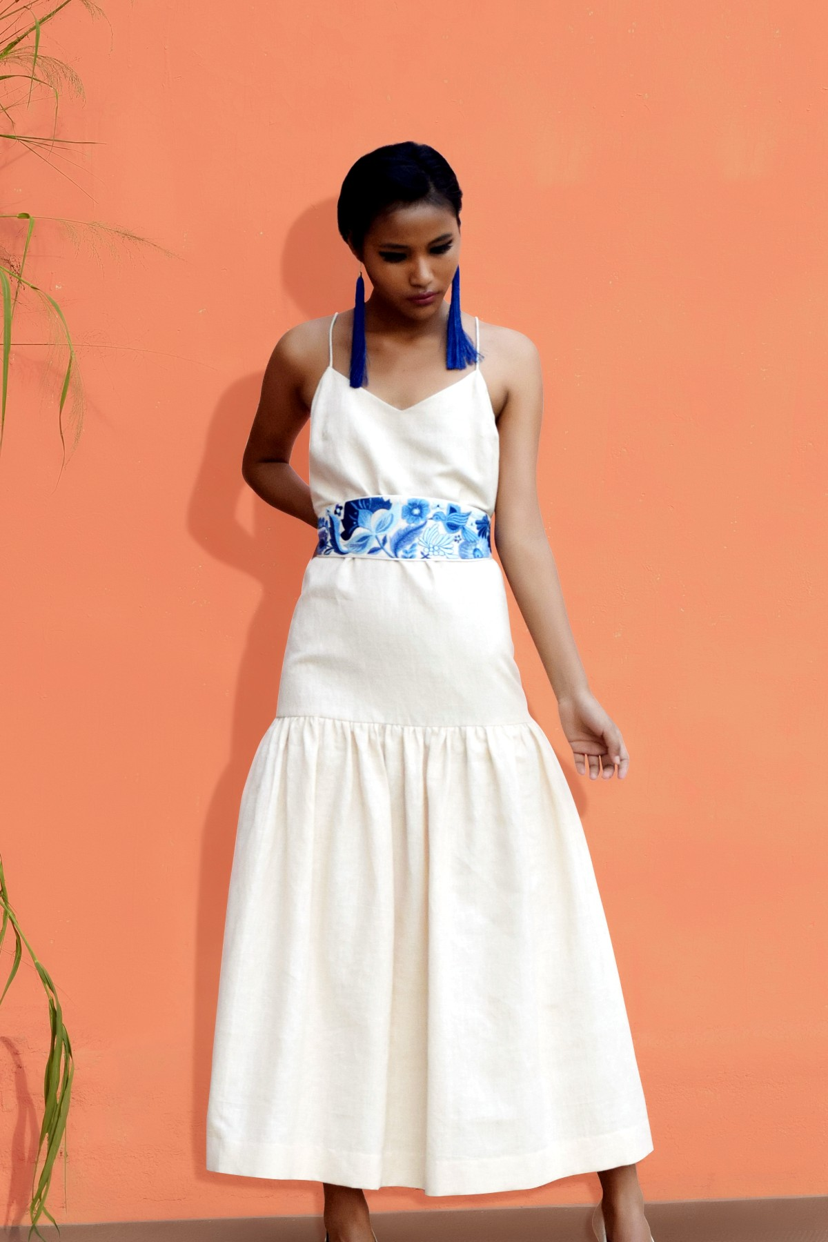 111d77c49671a Off White Dress with Embroidered Belt